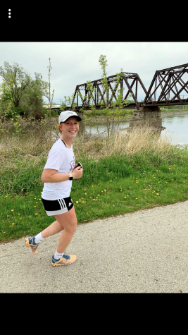 Sophomore Maia Bentley runs a half marathon to challenge herself during the canceled soccer season and to stay in shape.